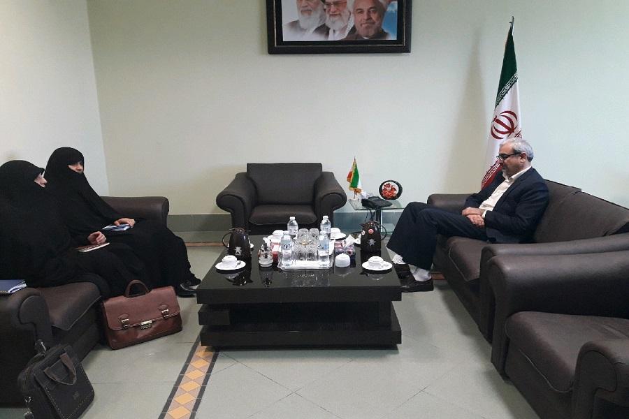 دیدار مدیر عامل مجمع خیرین  حوزه های علمیه خواهران استان بوشهر با فرماندار بوشهر