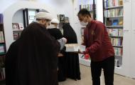 خرید رایگان کتاب از نشر هاجر توسط خانوادههای برگزیده در روز خانواده