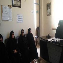 خبر مدارس- برگزاری نشست مسئولین مدرسه الزهرا سلام الله علیها گیلانغرب با دیگر مسئولین کتابخانه های عمومی شهرستان